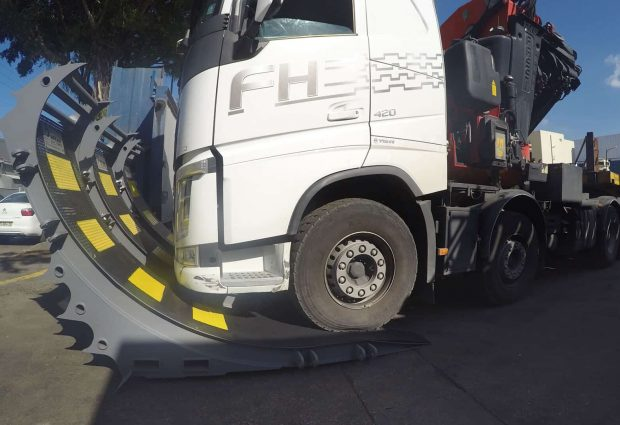 Side view of the RMB heavy anti truck barrier