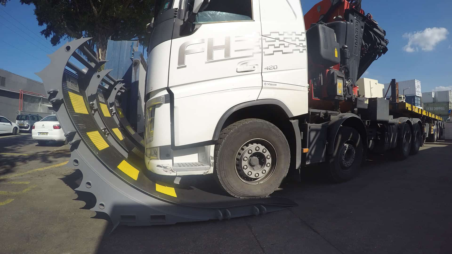 ROBUST MOBILE BARRIER , FIRST and only mobile truck barrier in the world that stops heavy trucks and semi-trailers weighing up to 40 tons at 80 kmh (50 mph)