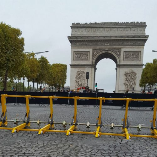 Vehicle barrier used to secure the Arc de Triomphe