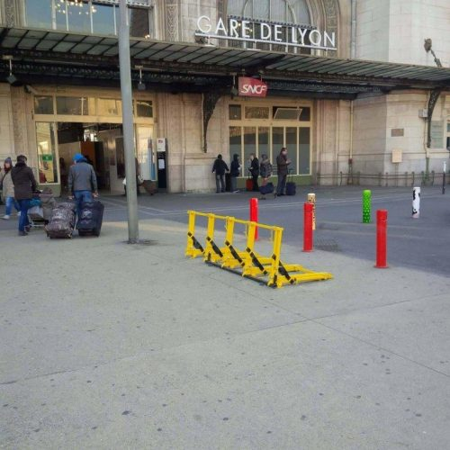 Securing the parking near the Gare De Lyon rail station